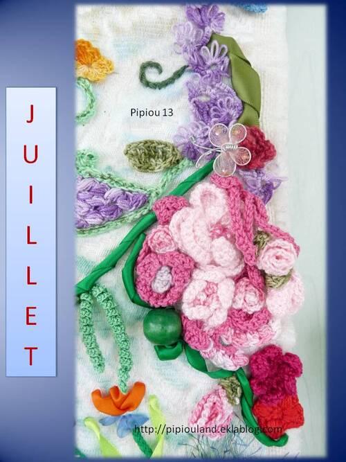 Tableau Juillet en freeforme et textile.