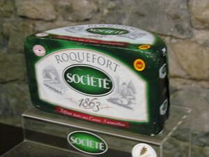 LE VILLAGE DE ROQUEFORT-SUR-SOULZON  ET SON FROMAGE .