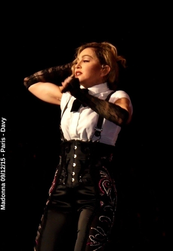 Rebel Heart Tour - 2015 12 09 Paris (26)