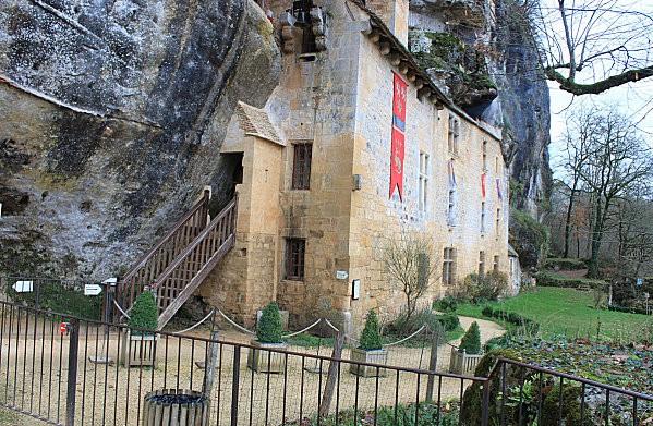 maison forte de reignac -59-