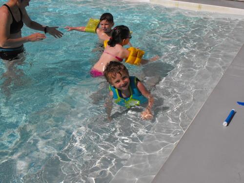 Nous allons à la piscine!!