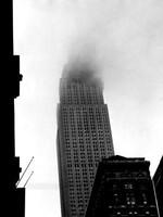Un avion s'écrase au sommet de l'Empire State Building