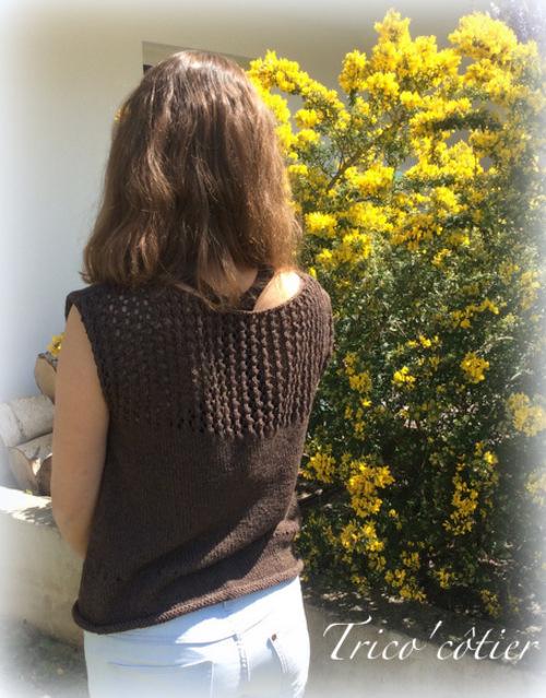Tricot d'été avec dos en dentelle