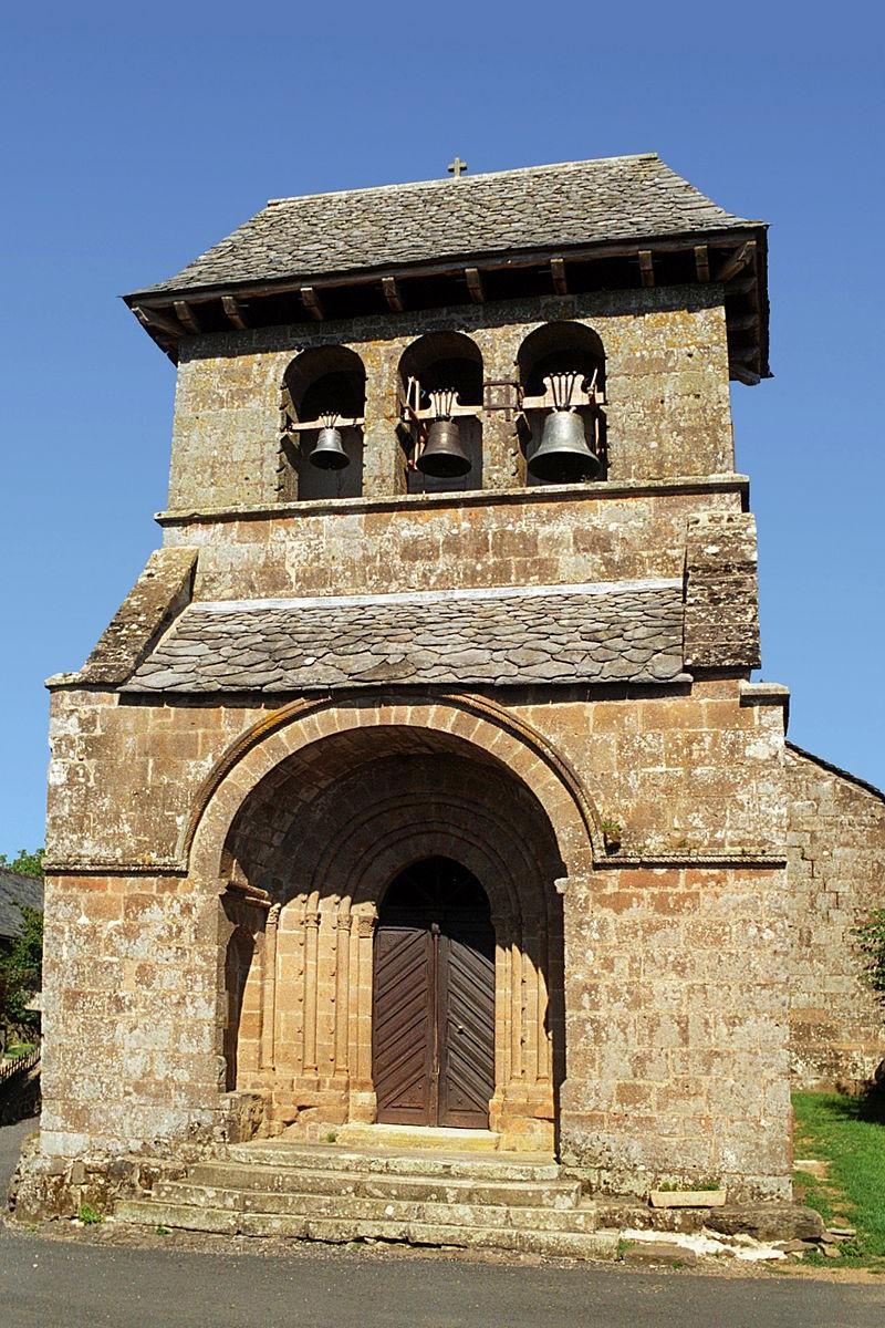 Église de Chastel-Marlhac 01.jpg
