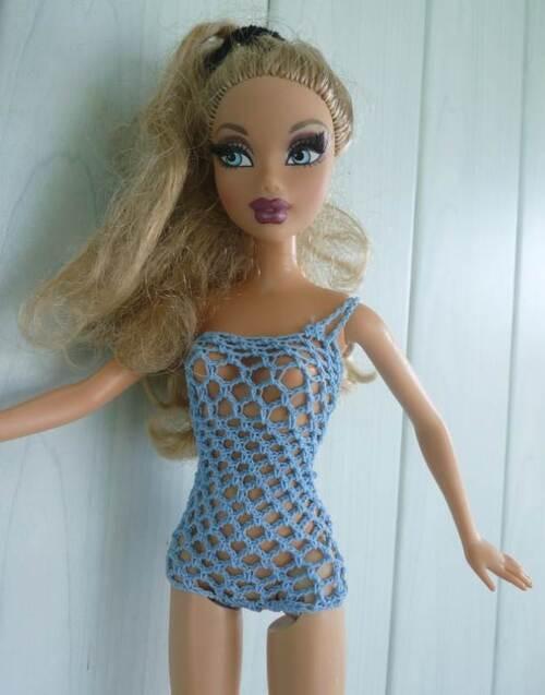 Défi styliste : Barbie futuriste ..Embrasement...