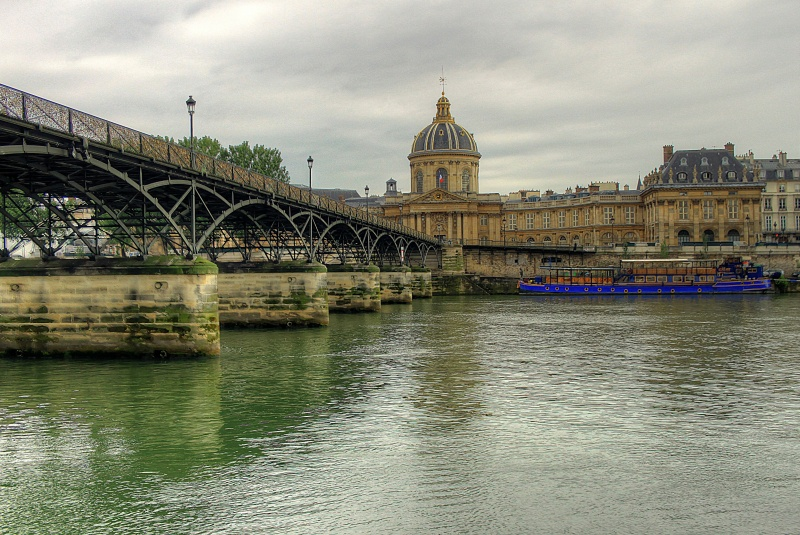 Paris ; couleur dans la grisaille