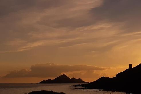 Corse Fin du voyage.  Piscines de Cavu - îles sanguinaires