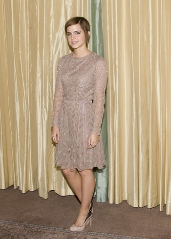 emma-watson-and-valentino-fall-2011-rtw-dress-gallery