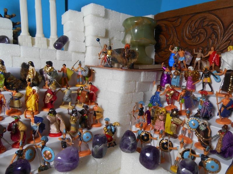Aujourd'hui : Le Père Noël (Hein ? Déjà ?...) survivra-t-il à son passage dans le monde miniature ? Suivi de : Selles-sur-Cher, Chenonceau, Chambord... Les châteaux de Gason Authienoüs