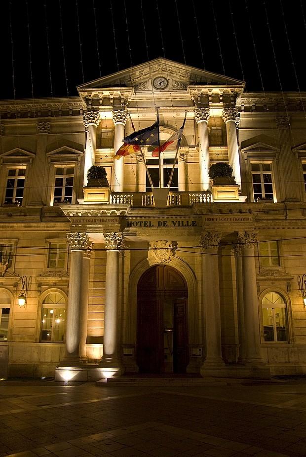 avignon-hotel-de-ville.jpg