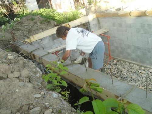 coulee du beton,coffrage des angles et de l'arase (27 et 28 mai)