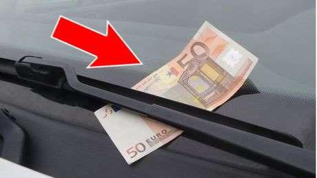 Billet de 50 euros sur le pare-brise : attention à l'arnaque