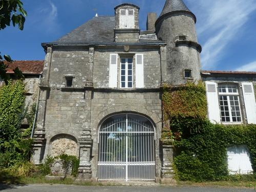 Le château du Pont-de-Vie....