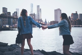 Image de city, girl, and best friends