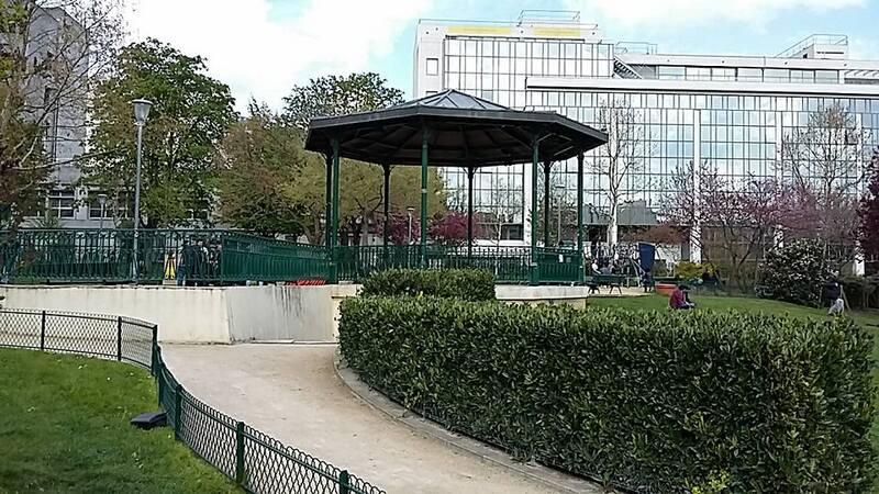 bon dimanche à tous - suite promenade à paris dans le 10ème arrondissement...