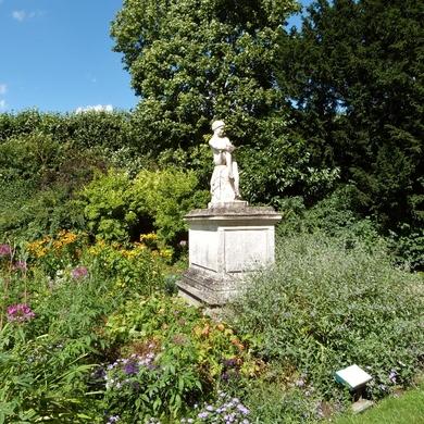 Les jardins du palais impérial de Compiègne...