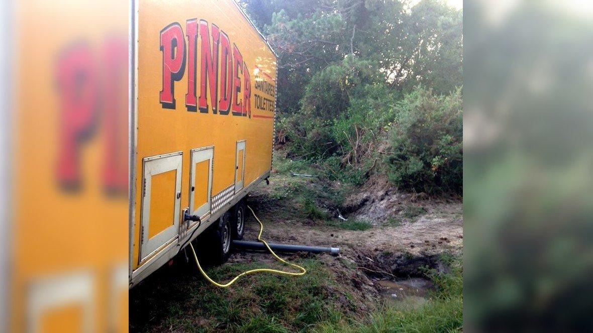 Une plainte contre l cirque Pinder pour rejet de déjections animales / © DR