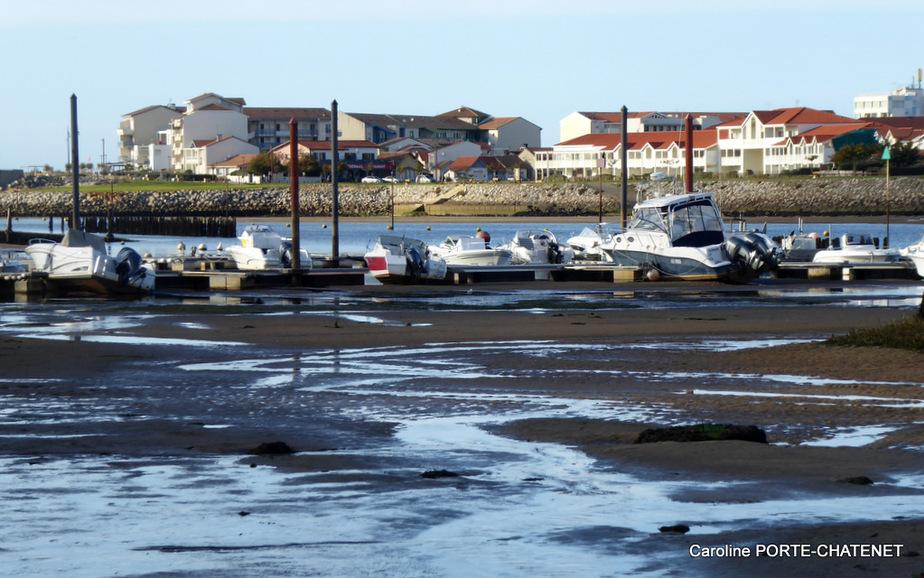 *Au port de Mimizané