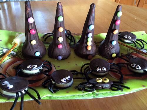 Chapeaux balais et araignées
