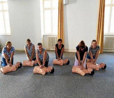 L'ensemble de l'équipe de l'école Saint-Jean maîtrise désormais les gestes de premiers secours.