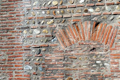 Perpignan : vieux murs