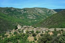 Le Village de Thines
