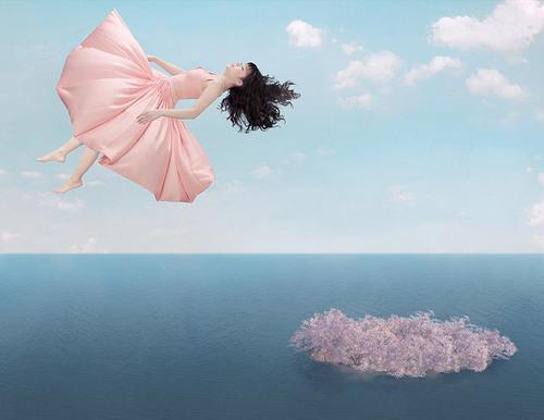 Les femmes qui volent, mode en couleurs