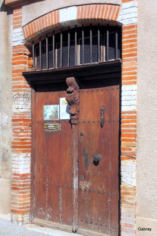 Beaumont-de-Lomagne : des portes ... n3