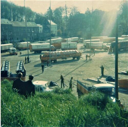montage du cirque jean Richard par Alain Massip ( archives Ursula Massip)