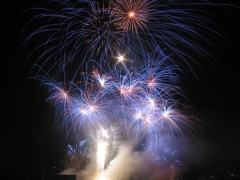 couleurs-oise-magiciens-feux-artifice-big.jpg