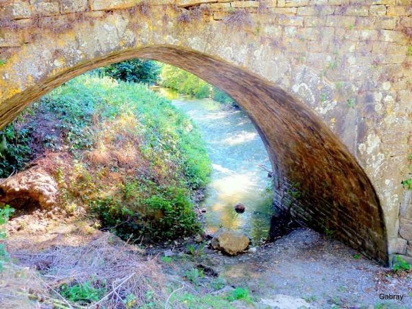 Vi13---Arche-du-pont.JPG