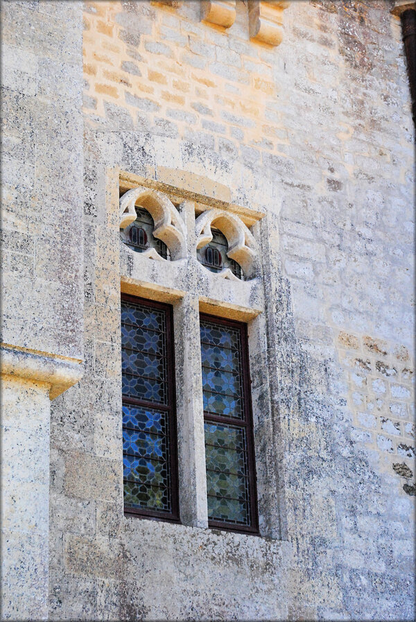 Détails de la façade du château de Roquetaillade (Gironde)
