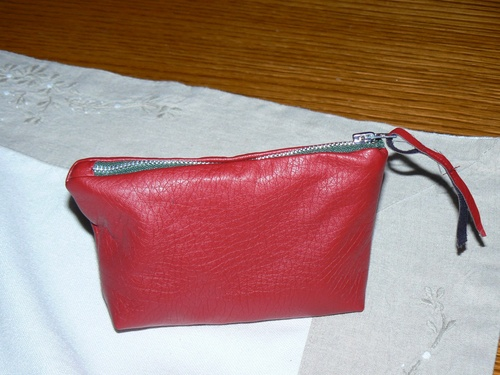 Porte-monnaie en simili cuir rouge