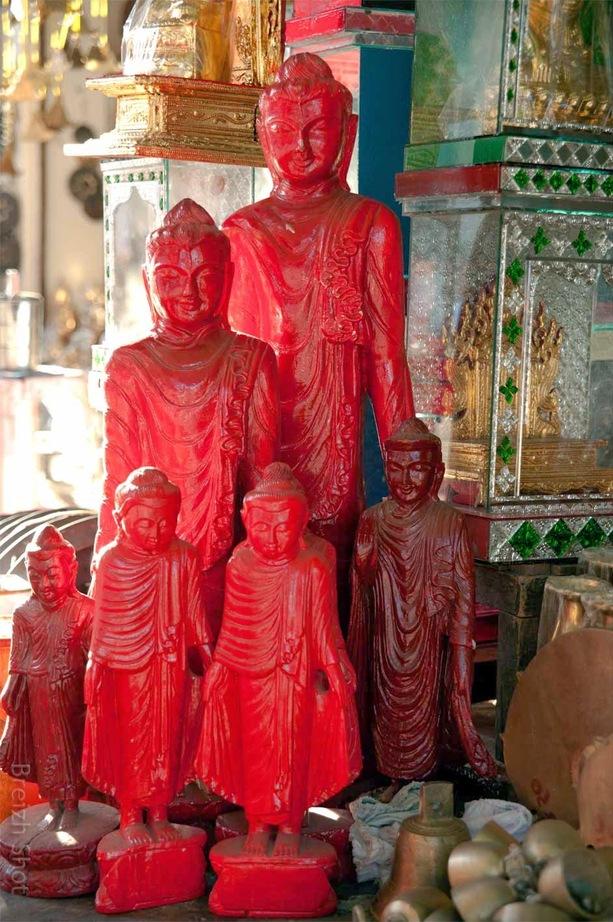 Bouddhas rouges : Sculptures