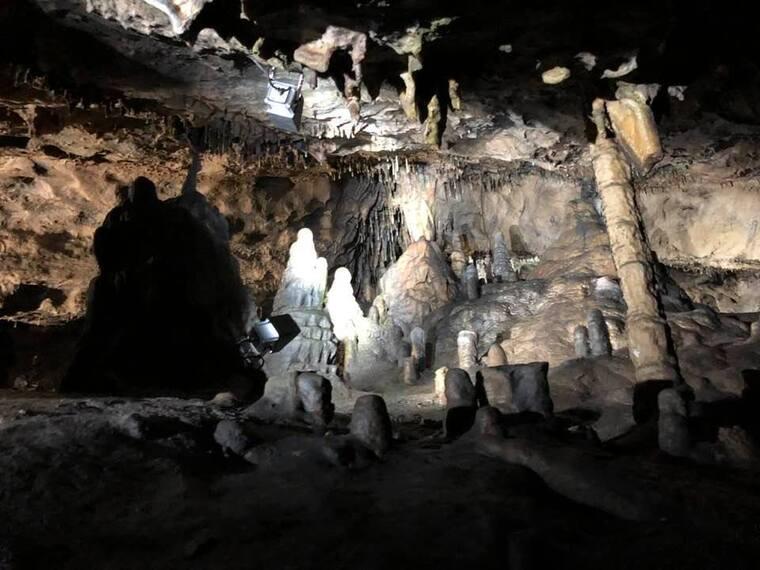Anhée  et Grotte de Han Belgique.