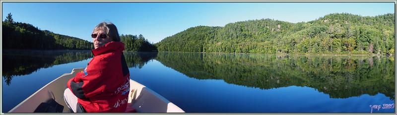 Reflets parfaits sur le Petit Lac Preston - Duhamel - Outaouais - Québec - Canada