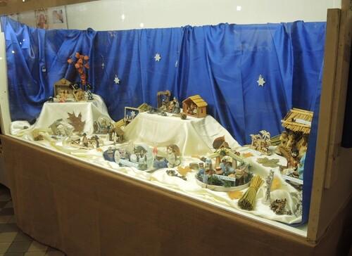 Bauvin- Exposition dans l'église