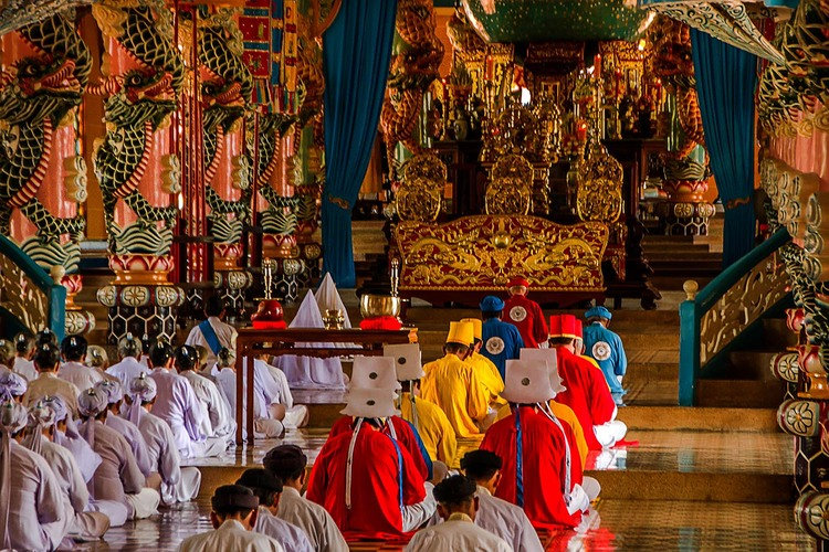 Le Cao Dai. 2 Ceremonial, pratiques