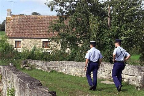 La maison du Dr Godard, à Tilly-sur-Seulles (Calvados). L'affaire Godard, ce sont 450 personnes entendues, 560 scellés, 450 réquisitions et cinquante commissions d'experts…