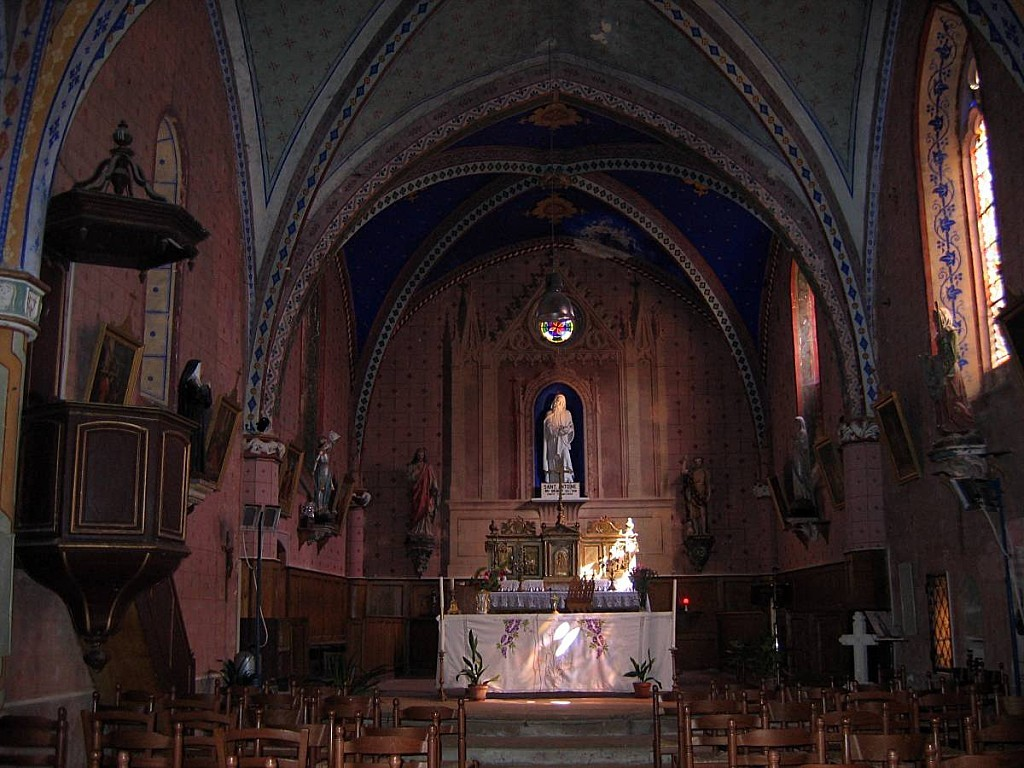 Saint-Antoine-Eglise-interieur.jpg