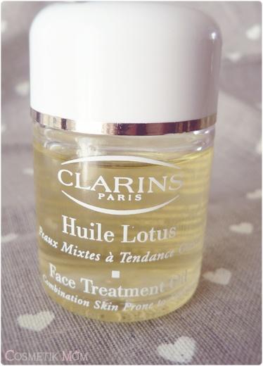 Faire la peau aux imperfections avec l'Huile Lotus de Clarins