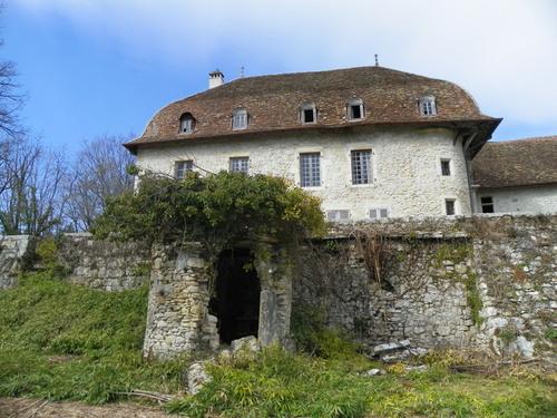Le château des Eclaz