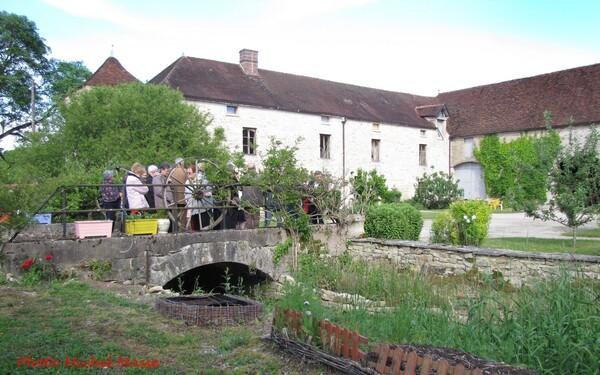 Une ferme templière, à la limite de la Côte s'Or et de l'Yonne : la Grande Vesvre