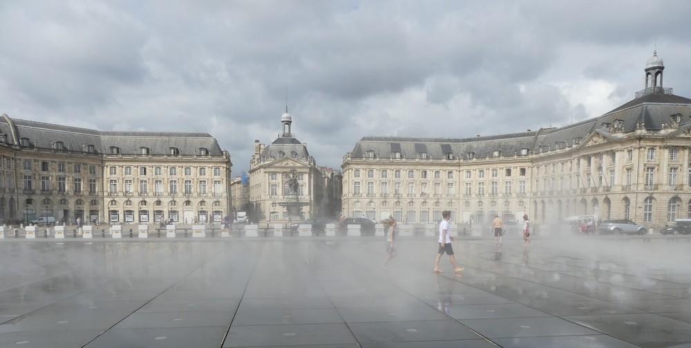 Les trois phases du miroir d'eau à Bordeaux...