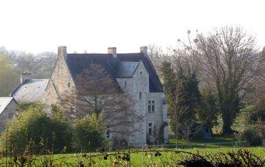 LES REMPARTS DE BUR-LE-ROY (Calvados)