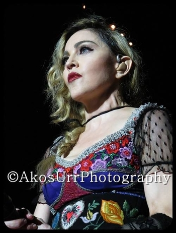 Rebel Heart Tour - 2015 12 09 Paris (1)