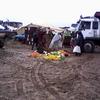 douar gzoula - souk - rayon fruits et légumes et la boue 2