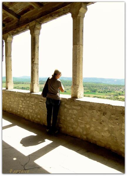 Photographier la halle de Simiane la Rotonde et se prendre, un tout petit peu, pour Cartier Bresson