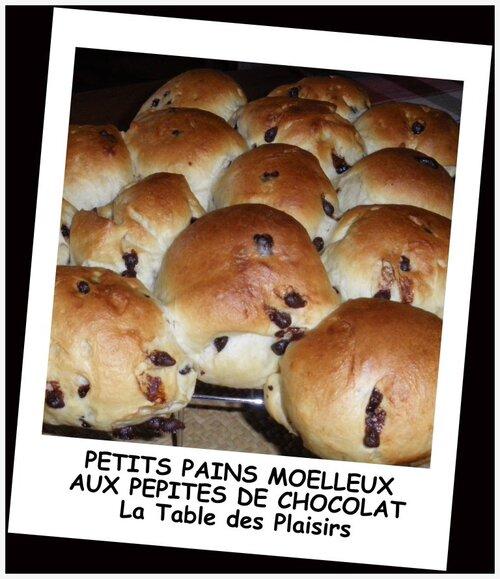 PETITS PAINS MOELLEUX AUX PÉPITES DE CHOCOLAT