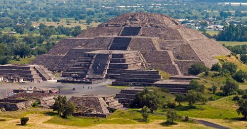 Un mystérieux tunnel souterrain découvert sous une pyramide au Mexique